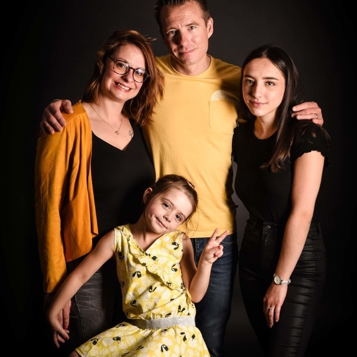 STUDIO FAMILLE